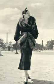 Fur scarf in Paris