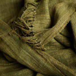 Sjaal van wilde zijde in mosgroen