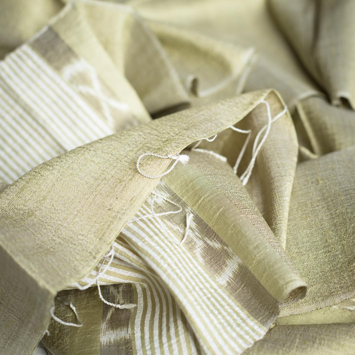 Silk scarf olive