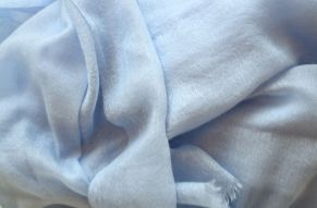 Cashmere pashmina baby blue - close up