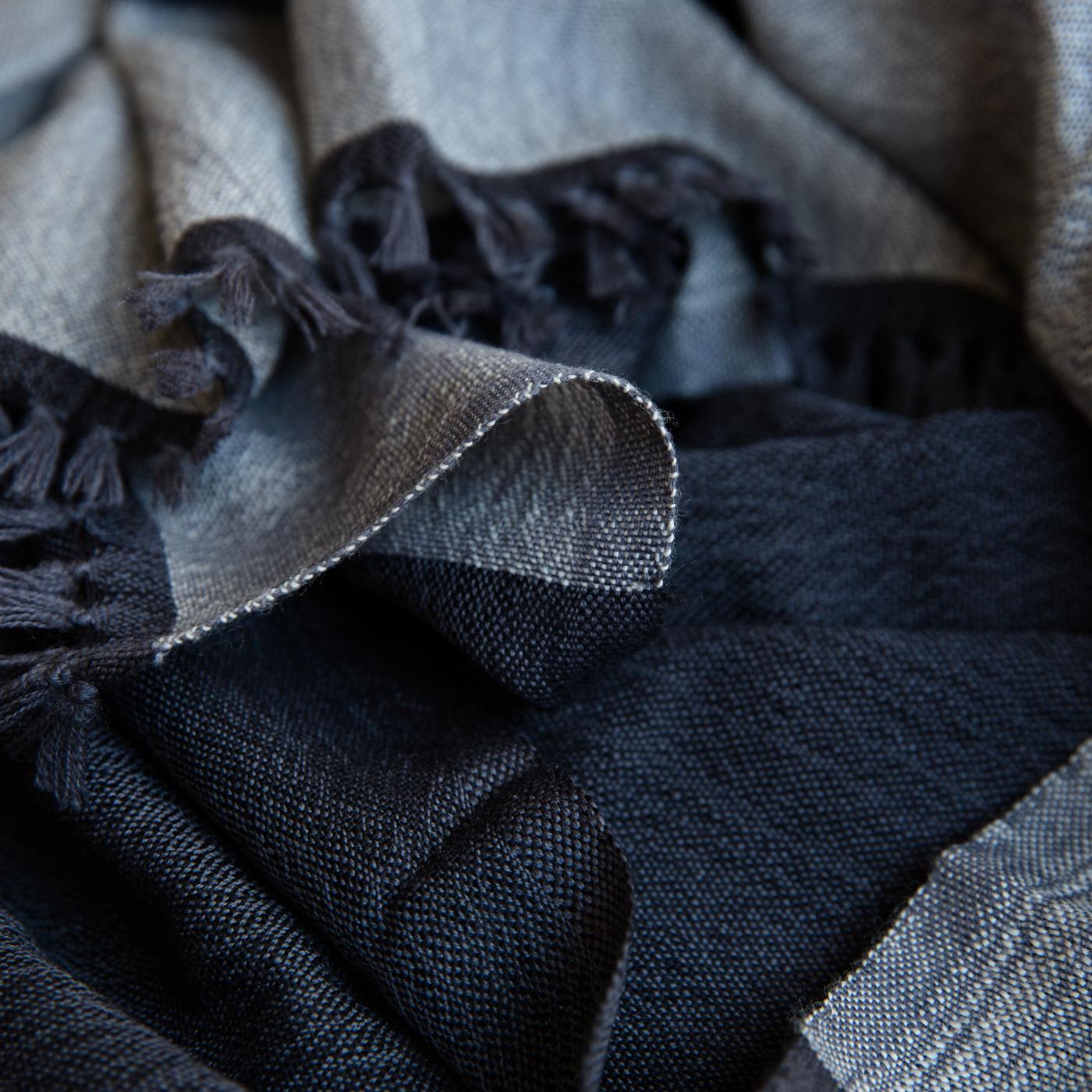 Wool scarf Bachi onyx