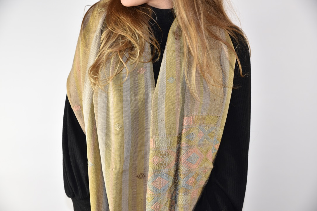 Silk scarf natural Numo