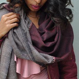 Wijnrode wollen sjaal