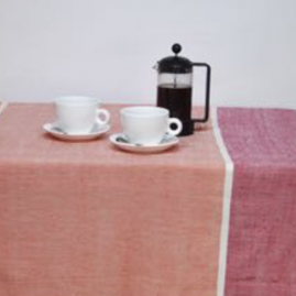 Ray tablecloth in reds