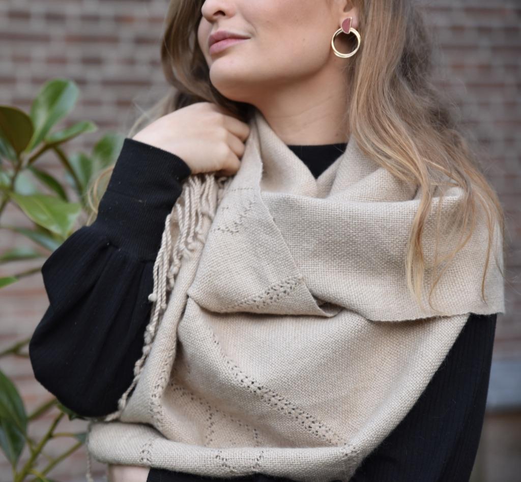 Beige alpaca sjaal uit Bolivia
