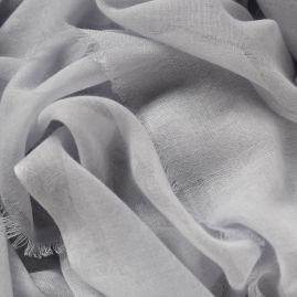 Lightweight cashmere scarf in light gray