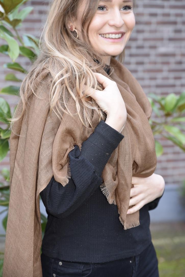 Lightweight cashmere sjaal bruin