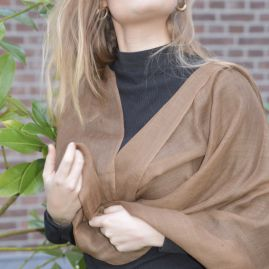 Lightweight cashmere scarf brown