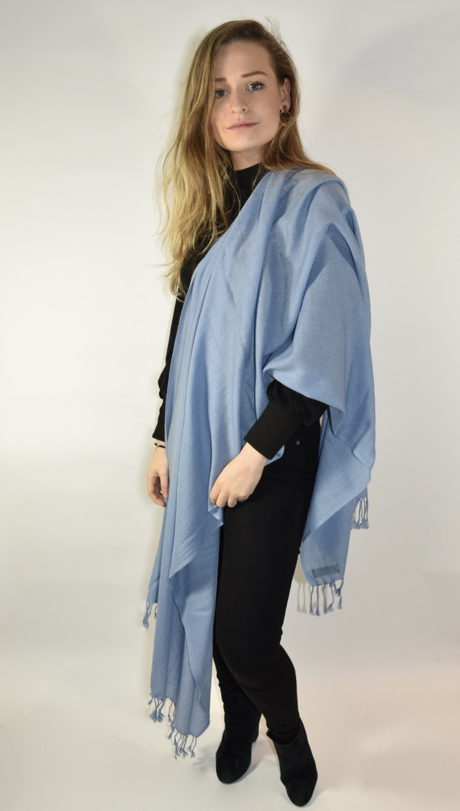 Cashmere stole/scarf in light blue