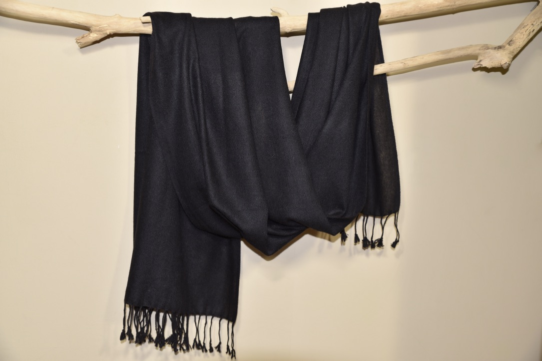 Cashmere muffler in black