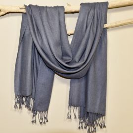 Cashmere muffler in dark gray