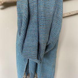 Uniek: turquoise lotus zijde sjaal uit Myanmar