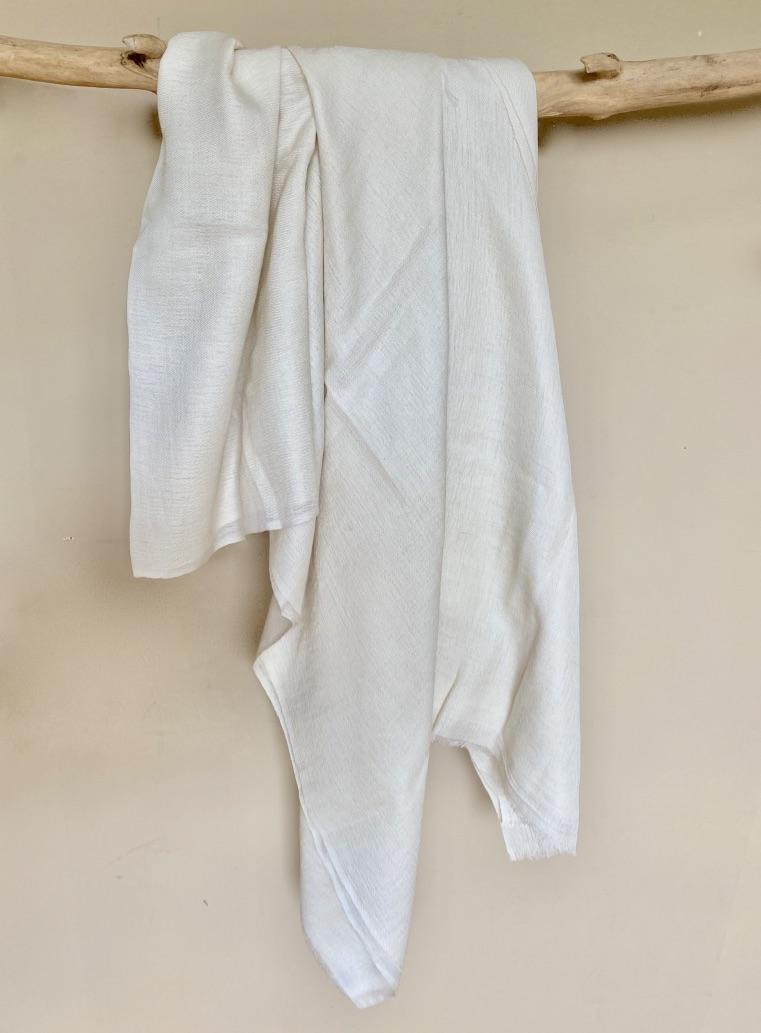 Cremekleurige zijde/katoen sjaal uit Nepal