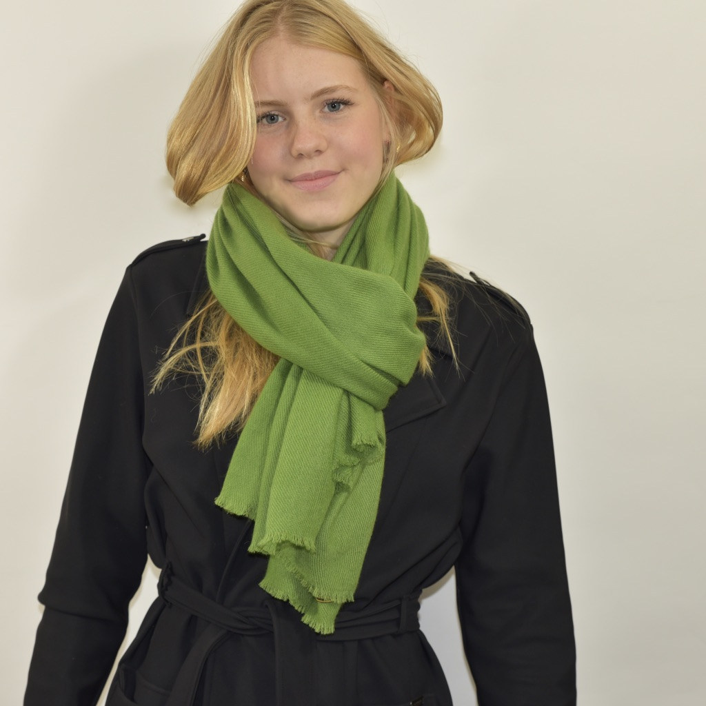 Cashmere stole in green from Nepal