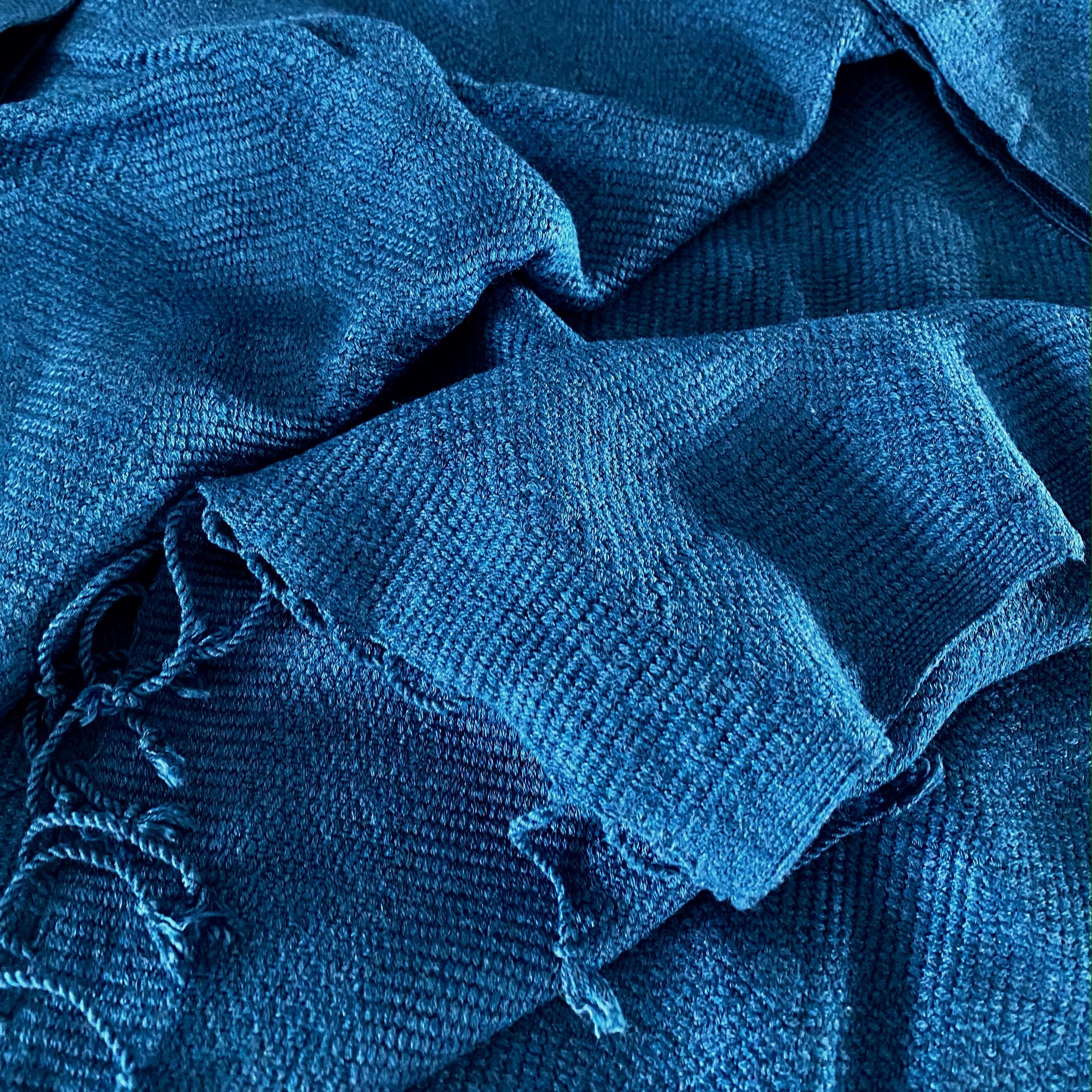 Jeansblauwe sjaal in diamantpatroon