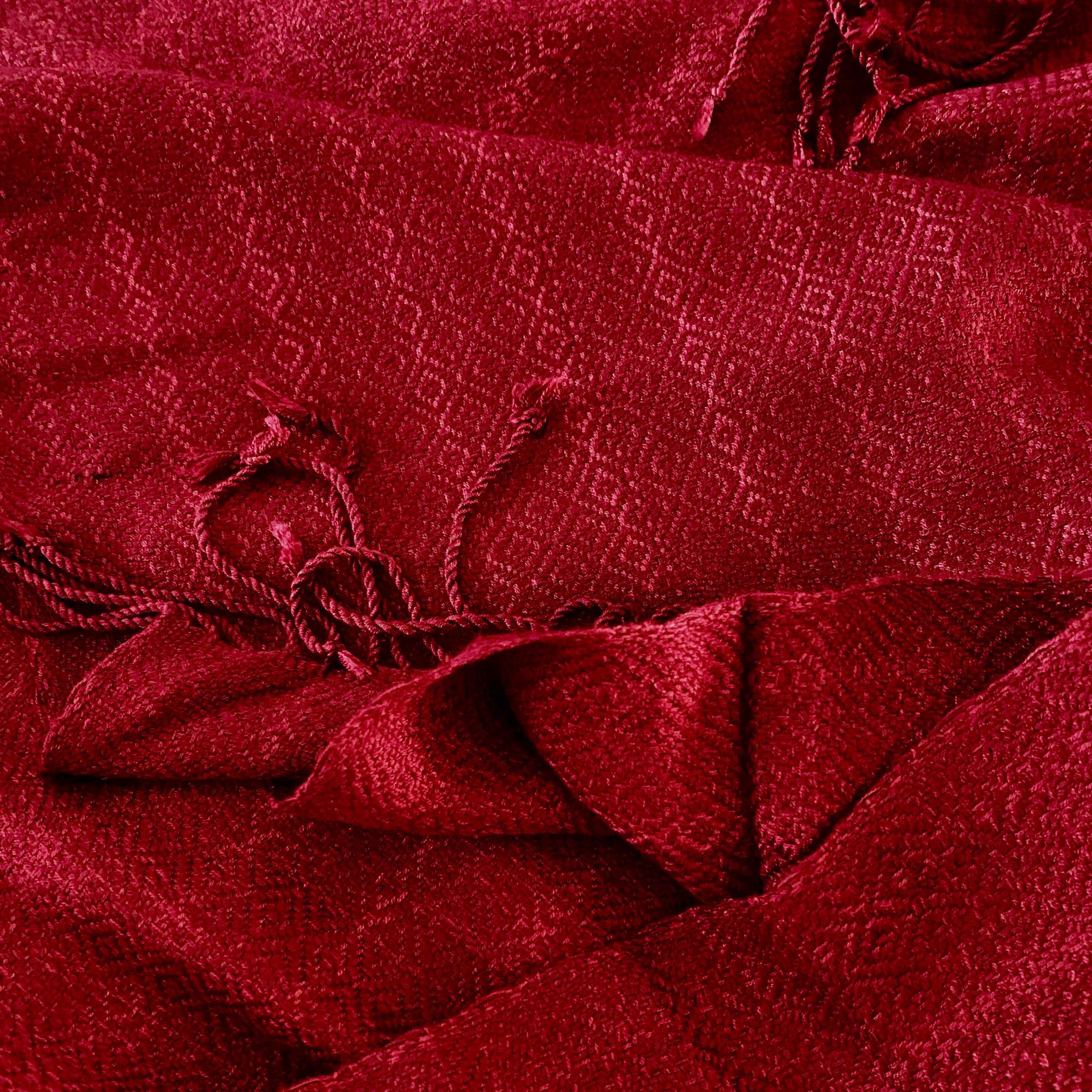 Donkerrode sjaal in diamant patroon